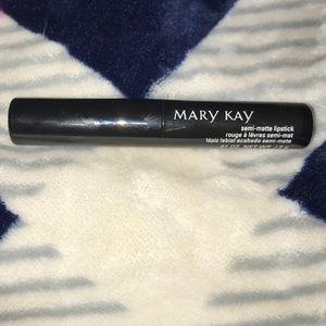 MaryKay semi-matte lipstick in pink moonstone NWOT